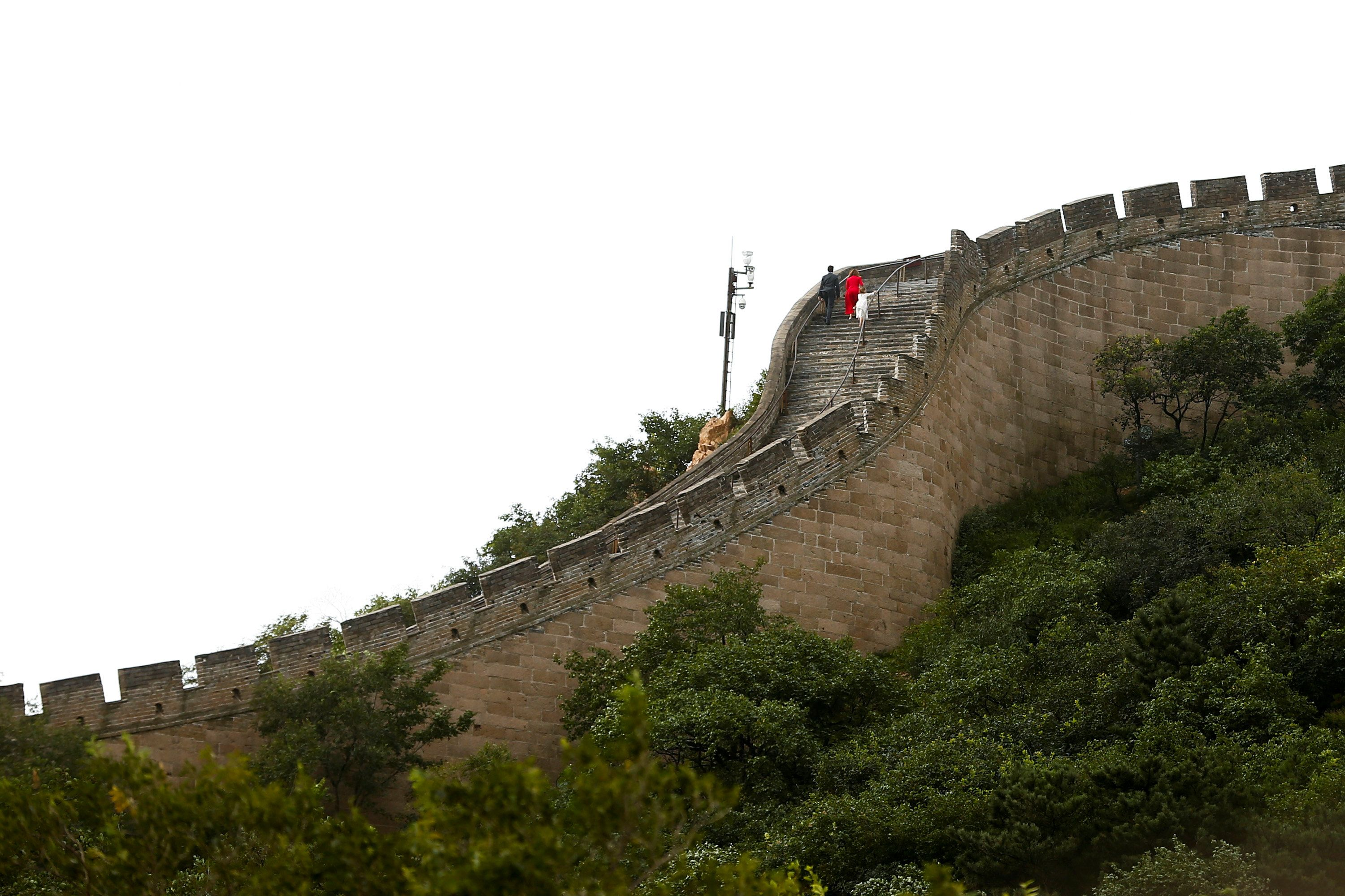 China to build deepest, largest high-speed rail station at Great Wall