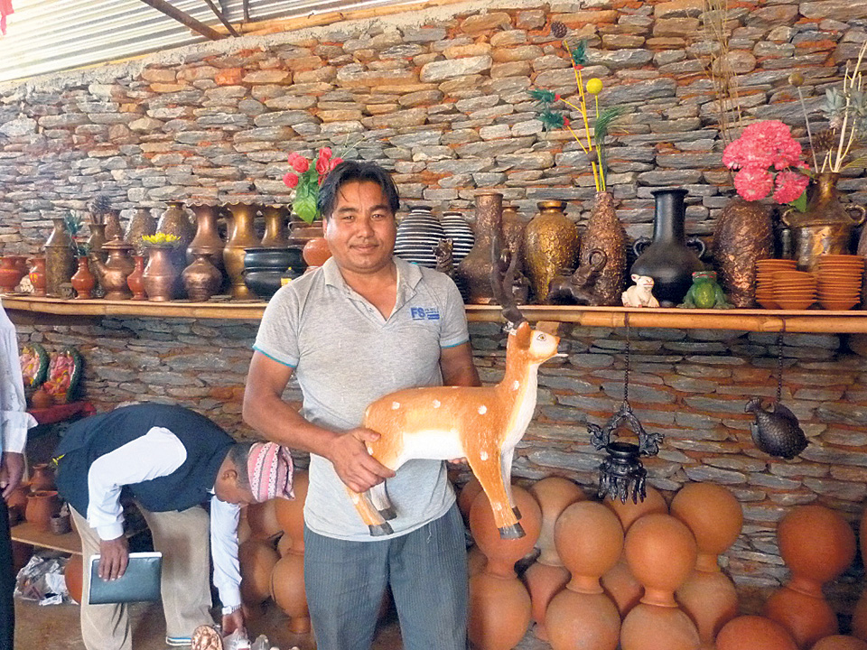 Gulmi potters switch to modern pottery