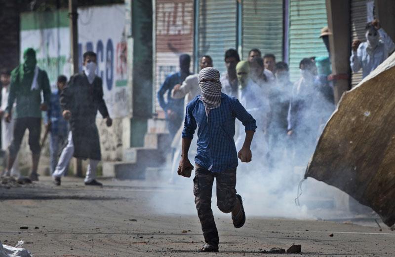 2 protesters die in Kashmir as curfew quiets Eid festivities
