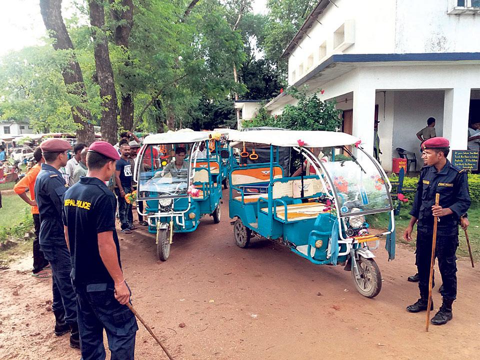 Nepalgunj traffic police seize over 500 e-rickshaws