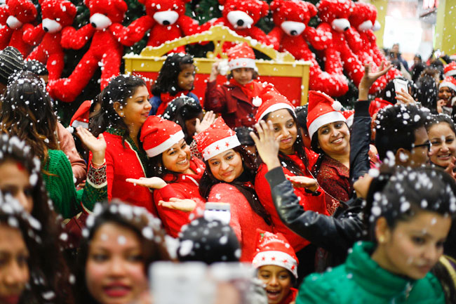 President, PM extend Christmas Day wishes
