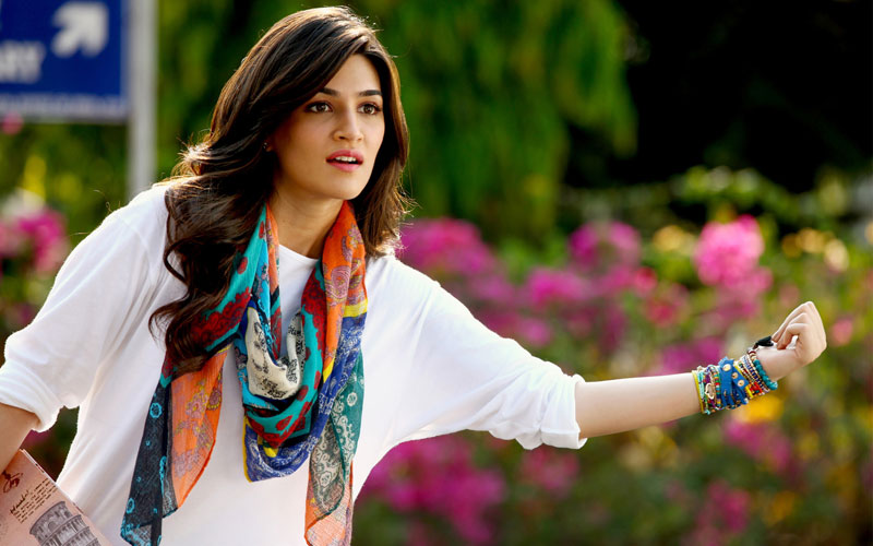 Kriti breaks silence over her relationship with Sushant