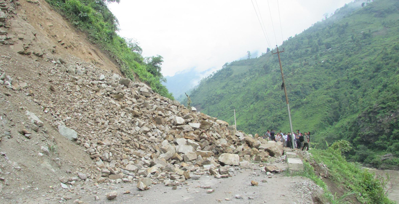 Landslide along Munglin-Narayangadh road stretch cleared; no vehicular movement yet