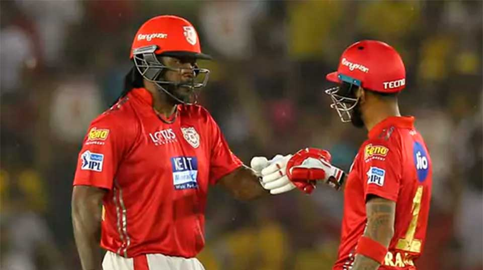Kings XI Punjab win the toss and elect to bat