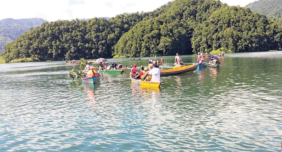 Boating in Begnas Lake? Beware!