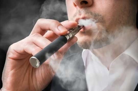 E-cigarettes may be causing similar lung damage to regular smoking, study finds