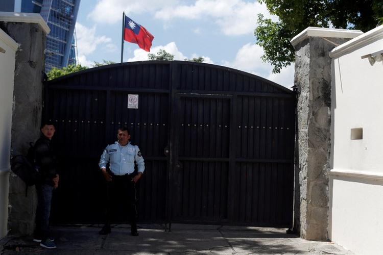 U.S. reviewing El Salvador relationship after Taiwan break: spokesman