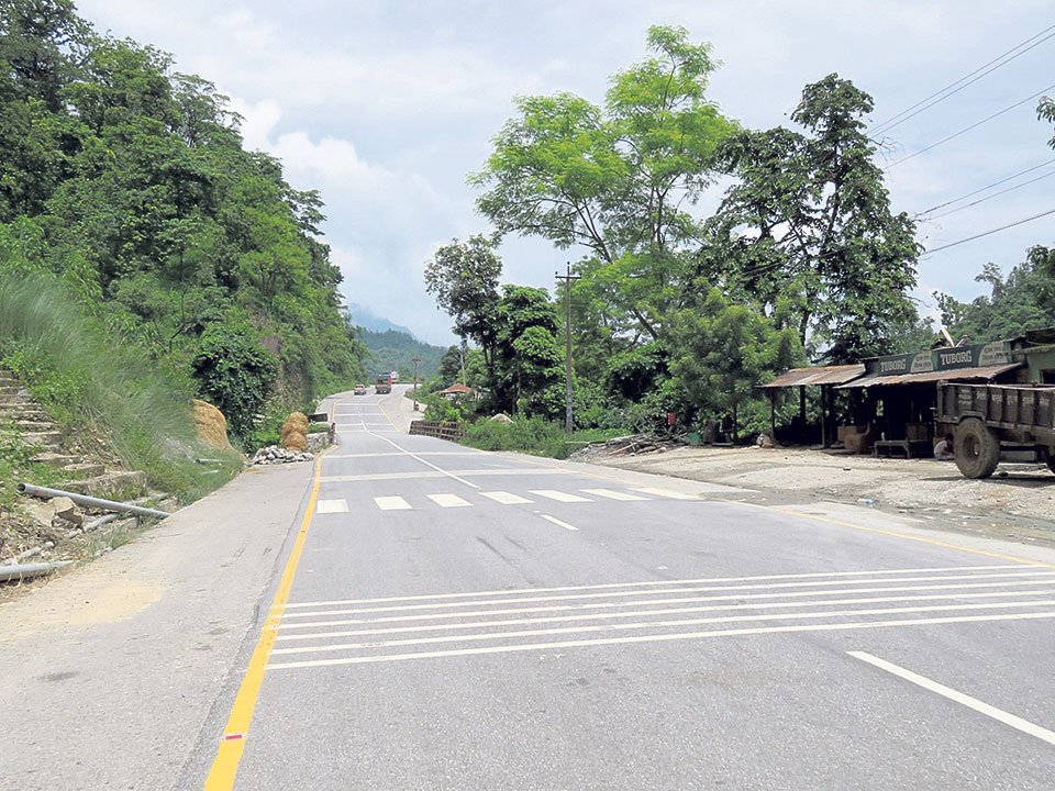 Cable barrier, rumble strips on Narayanghat-Mugling road to curb accidents