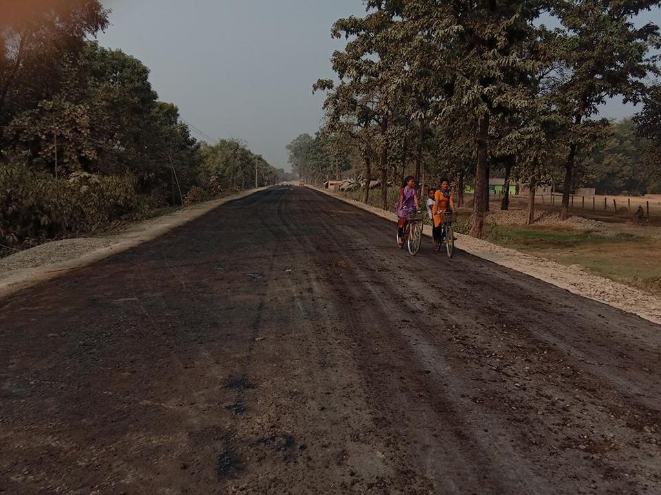 Blacktopping of Gulariya-Belawa road section begins