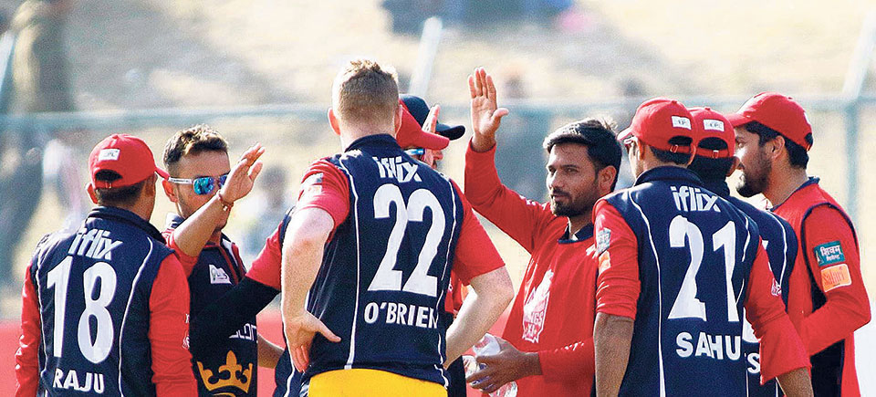 Patriots' Yogendra keeps nerve to edge Kings XI to reach final