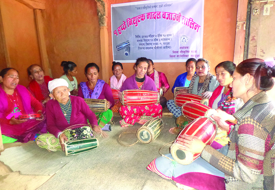 Women come together to preserve folk culture