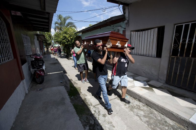 About 4,000 migrants died or missing on way to US, AP finds