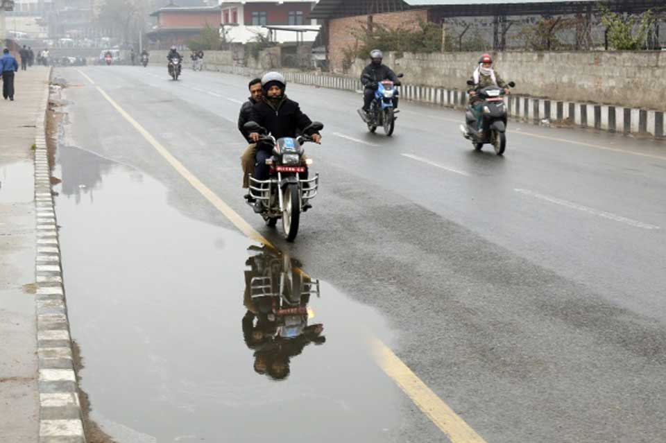 More chilly weather likely as mercury dips