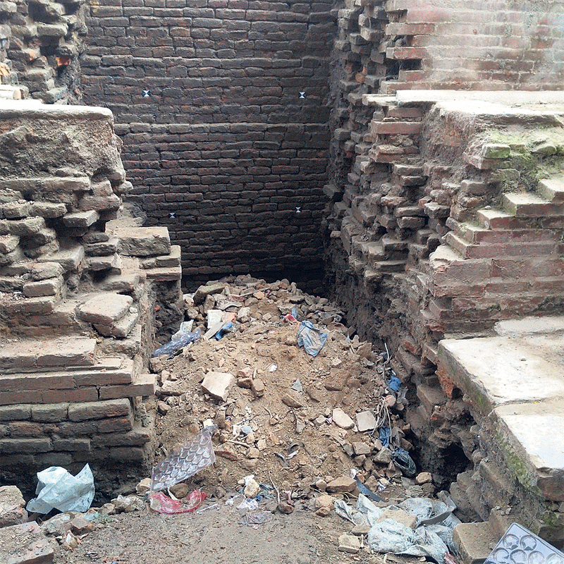 Jaisidewal excavation pit allegedly filled with scrap materials