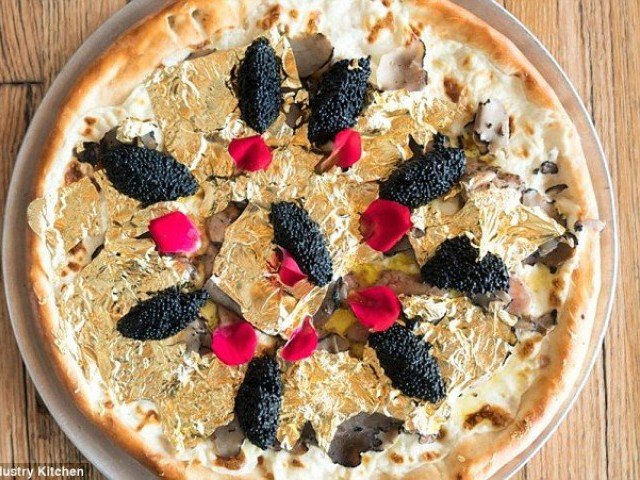 New York restaurant offers a $2,000 pizza topped with 24-karat gold