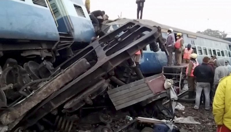 At least 36 killed as train derails in Andhra Pradesh, India (Update)