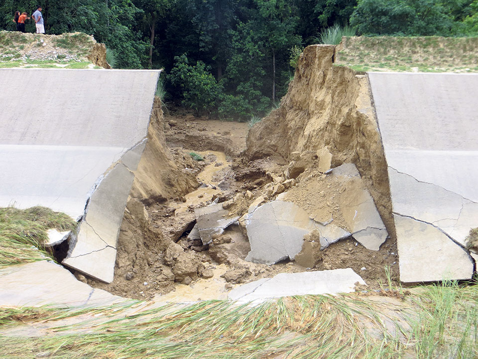 Locals demand probe into Sikta canal collapse