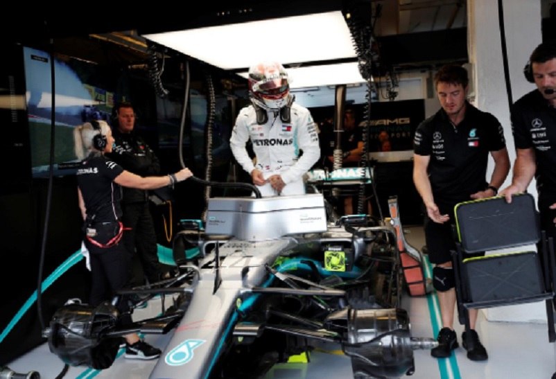 Hamilton fastest in final Hungarian practice