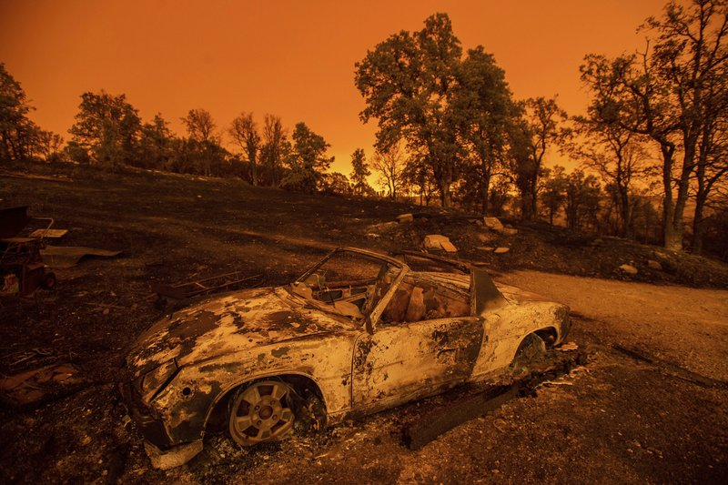 'Terrifying' California wildfire burns 500-plus structures