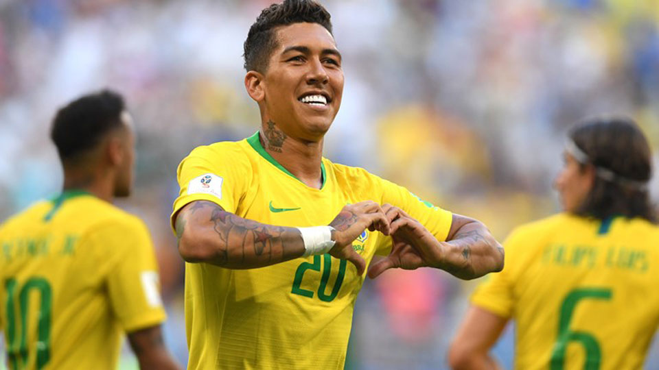 Brazil beat Mexico 2-0 to reach quarter-finals