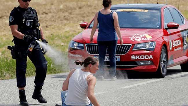 France: Tour de France comes to halt amid farmers' protest