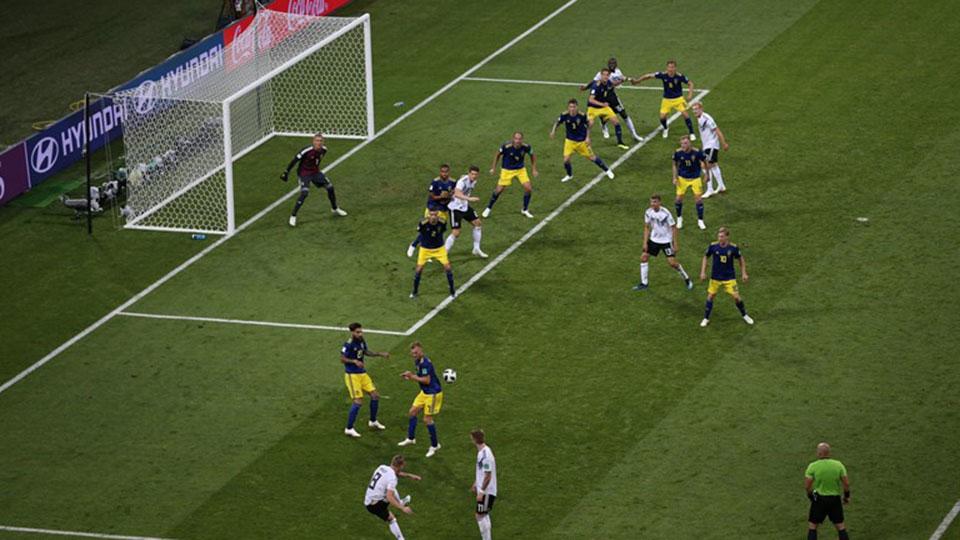 Kroos missile secures last-gasp Germany win