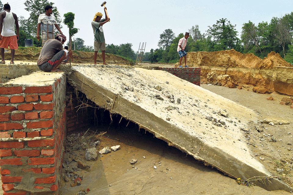 Causeway collapses within 10 days of construction