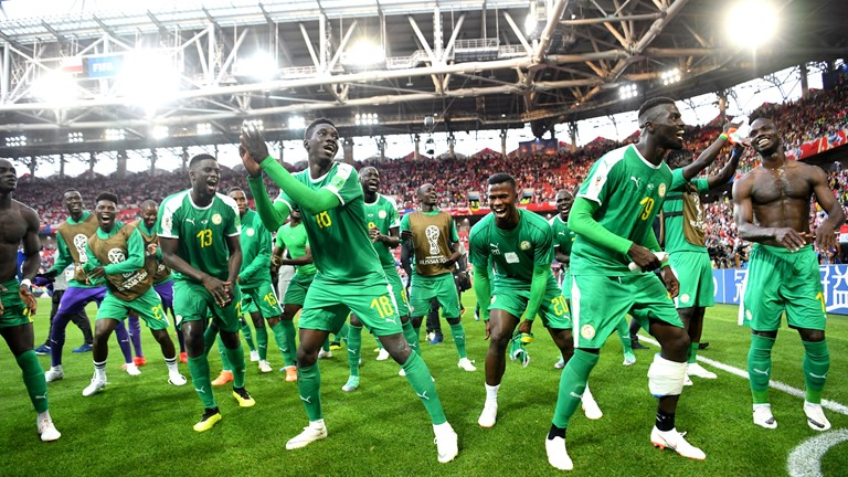 Senegal gifted goal in win over Poland