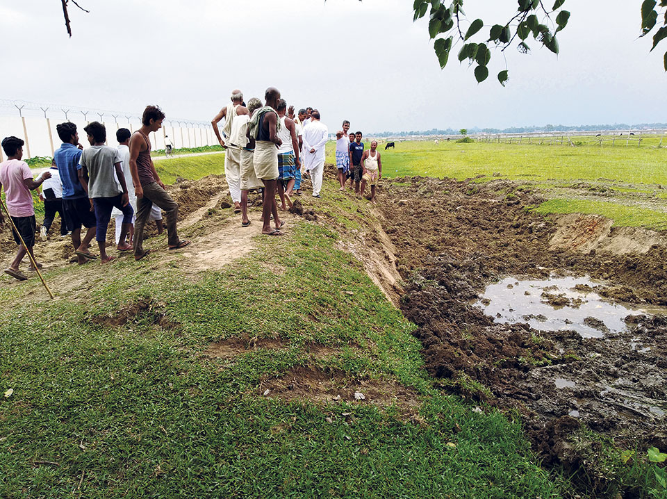 Locals prevent Indian company from digging no mans' land