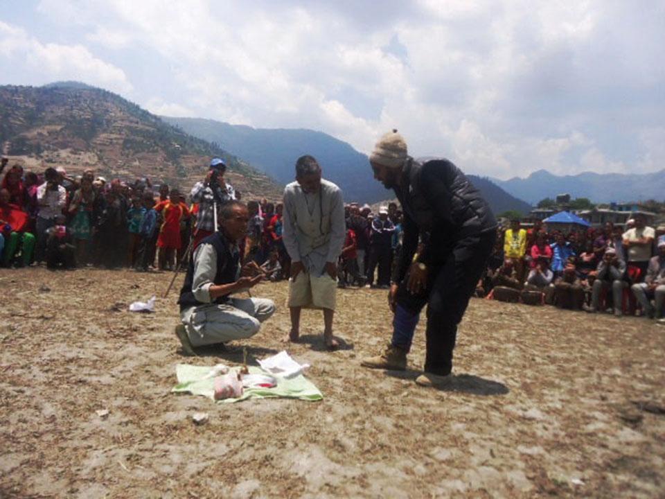 Jumla shamans send patients to hospitals