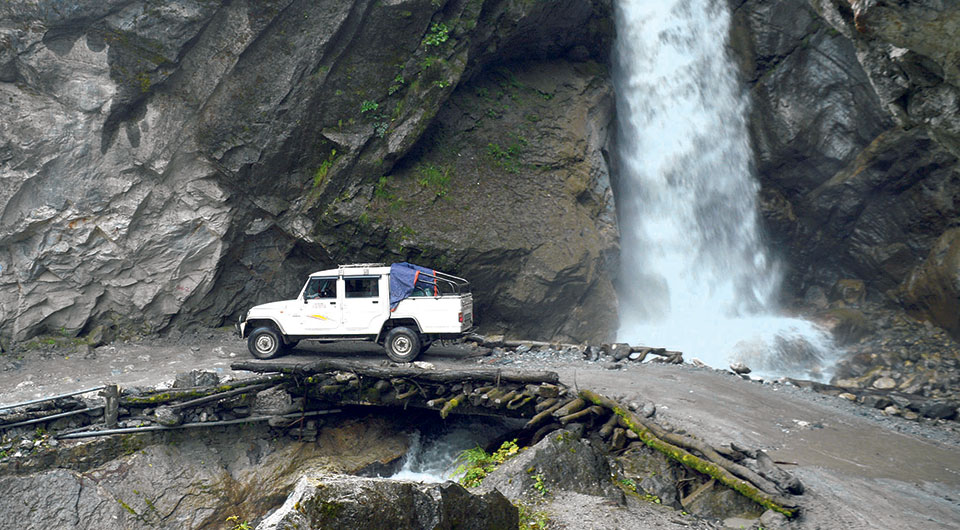 Adventures along the way to Manang