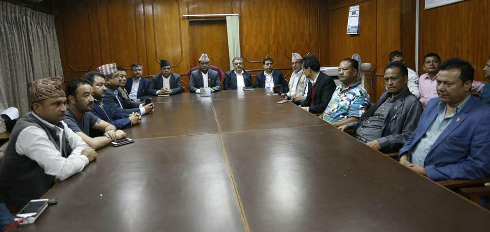 Govt, transport entrepreneurs strike deal; to maintain silence until Monday