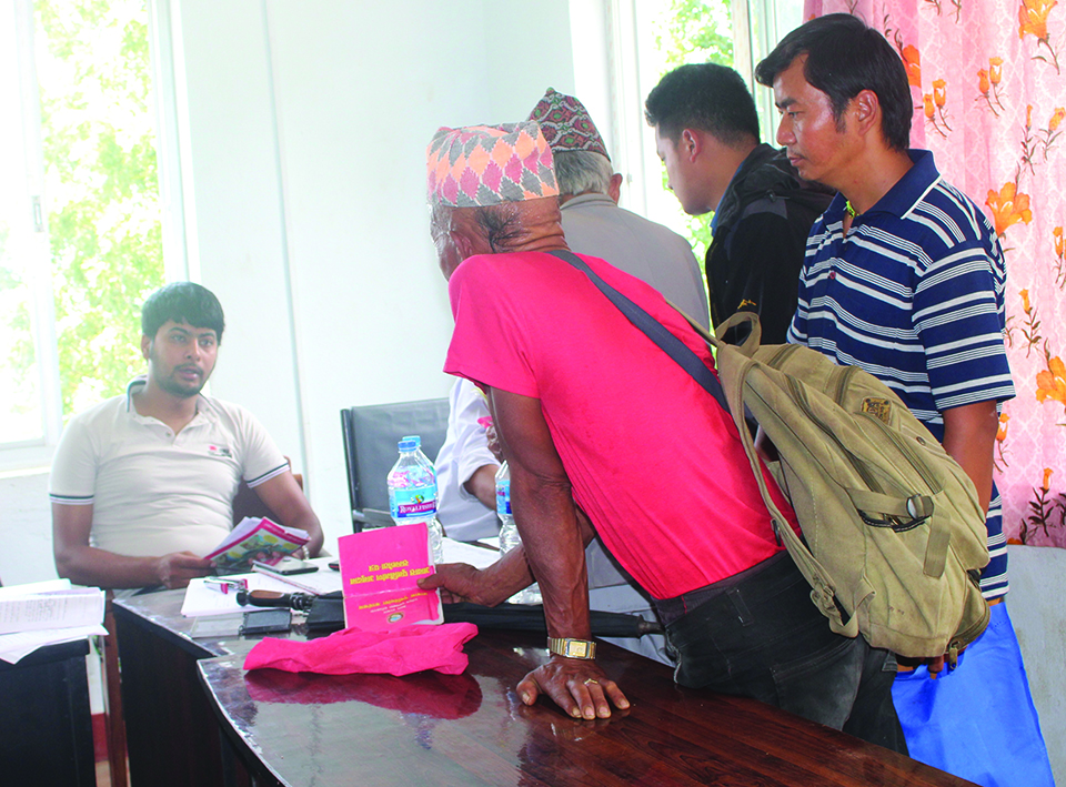 Fear of losing grant forces quake victims to build houses in a rush