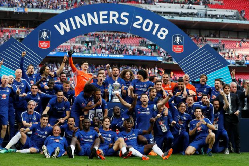 Hazard the difference as Chelsea edge Manchester United in Cup final