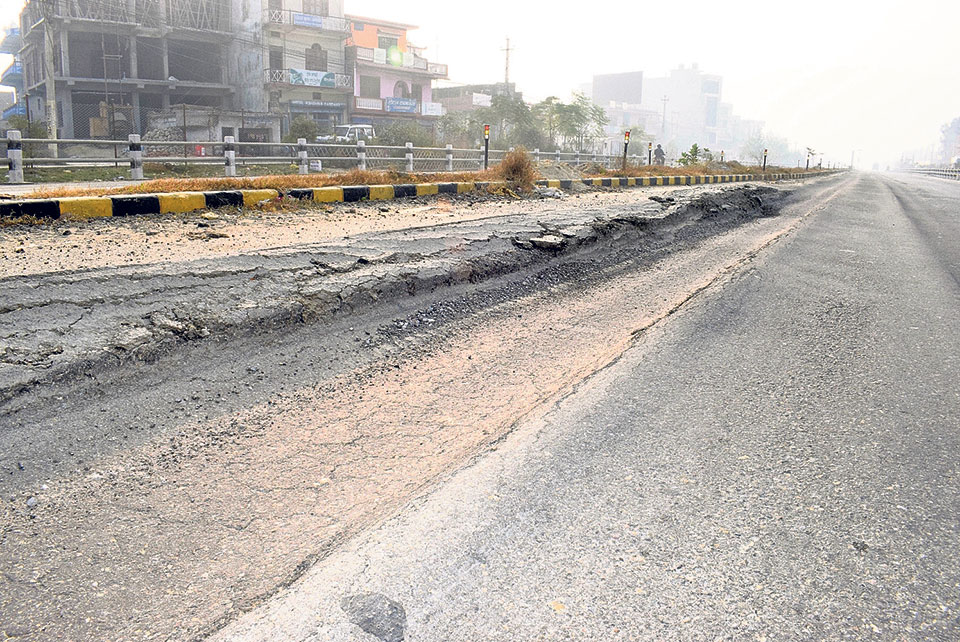 Belahiya-Butwal road starts cracking even before completion of project