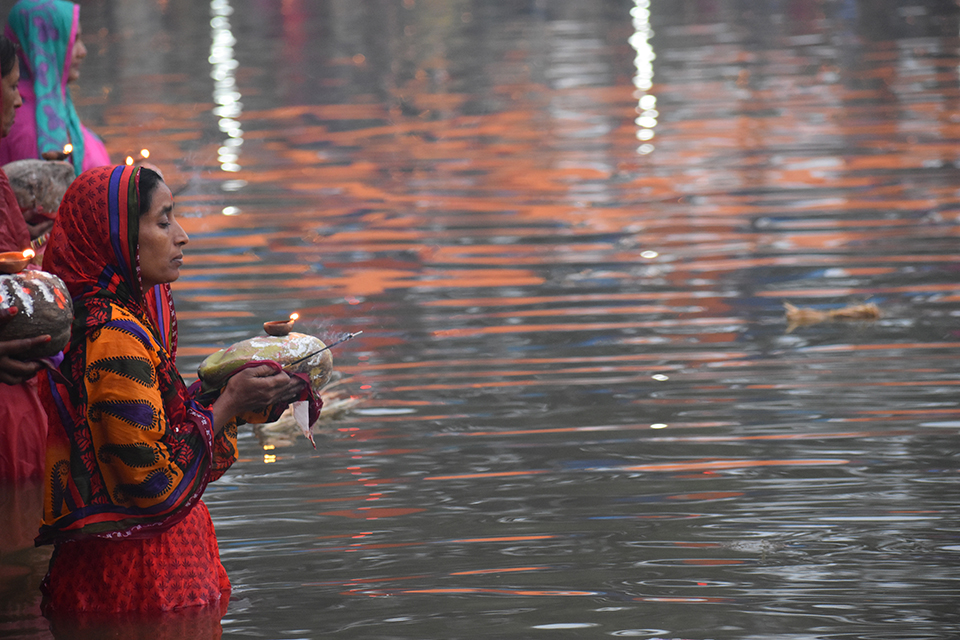 Chhath concludes with obeisance to the rising sun