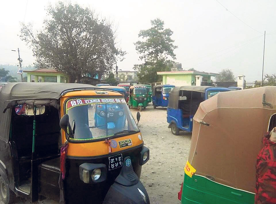 Most auto drivers in Sindhuli driving without licenses