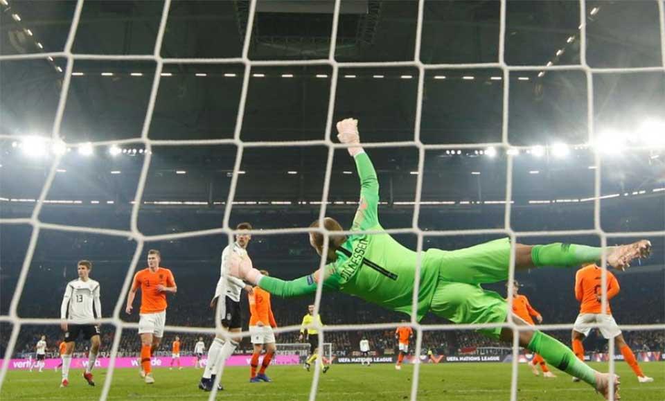 Late goals earn Dutch spot in Nations League finals