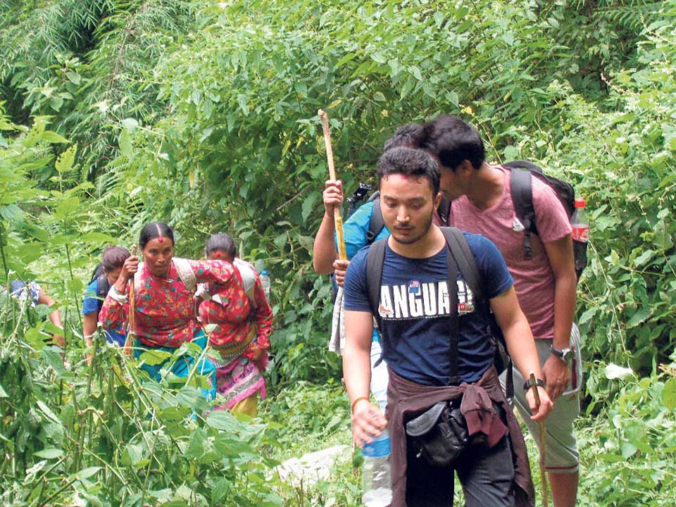 Rasuwa brimming with Nepali tourists