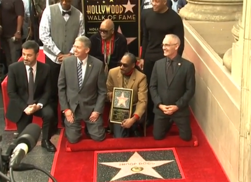 As he gets Hollywood Walk of Fame star, Snoop Dogg thanks ... himself