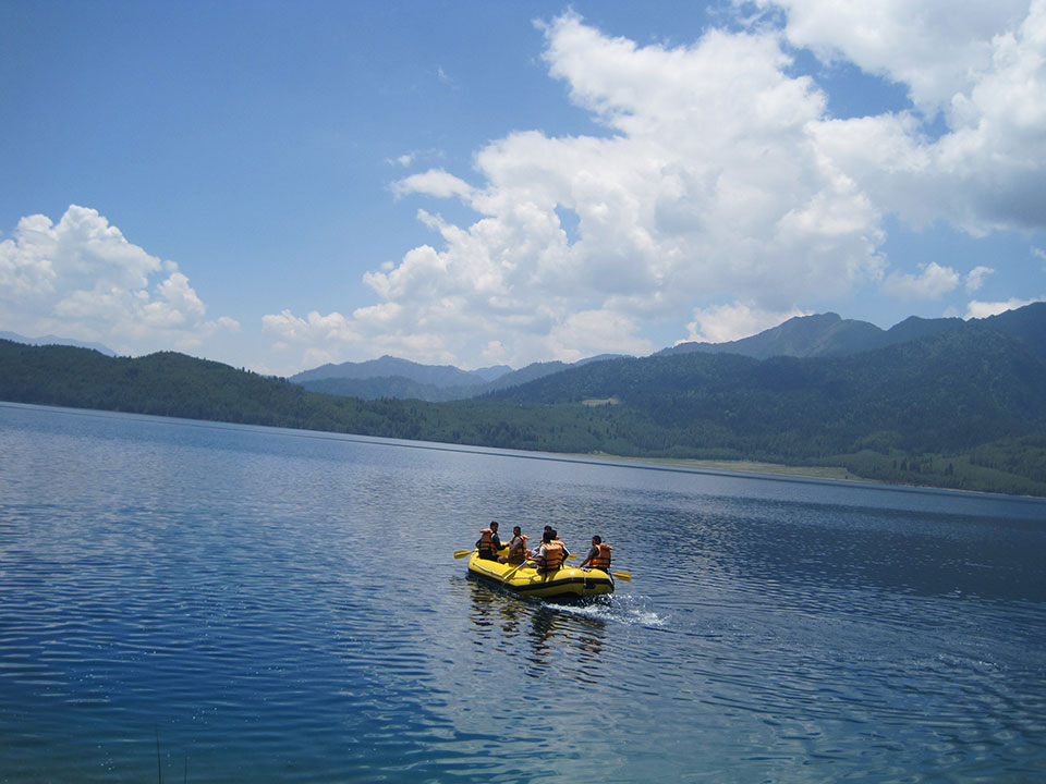 Hoteliers in Rara Lake fleecing tourists