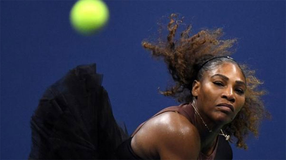 Serena crushes Venus in flat family U.S. Open showdown