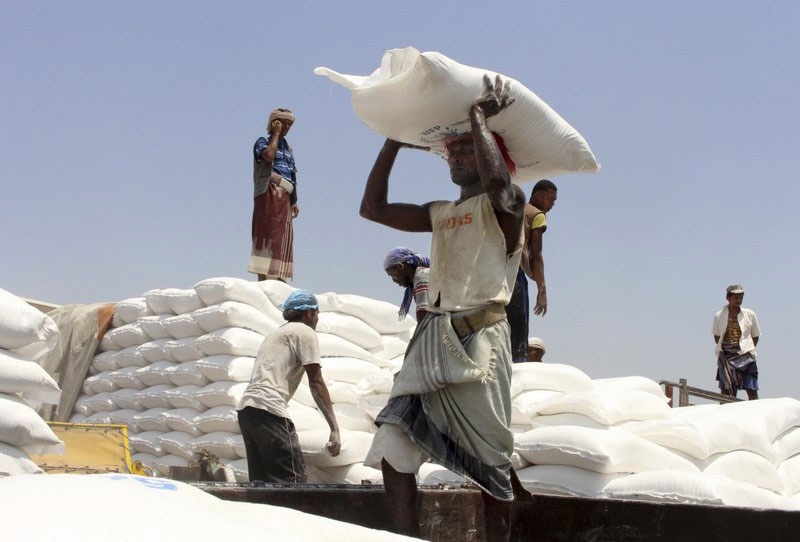 UN rushes aid to hunger-stricken Yemeni district