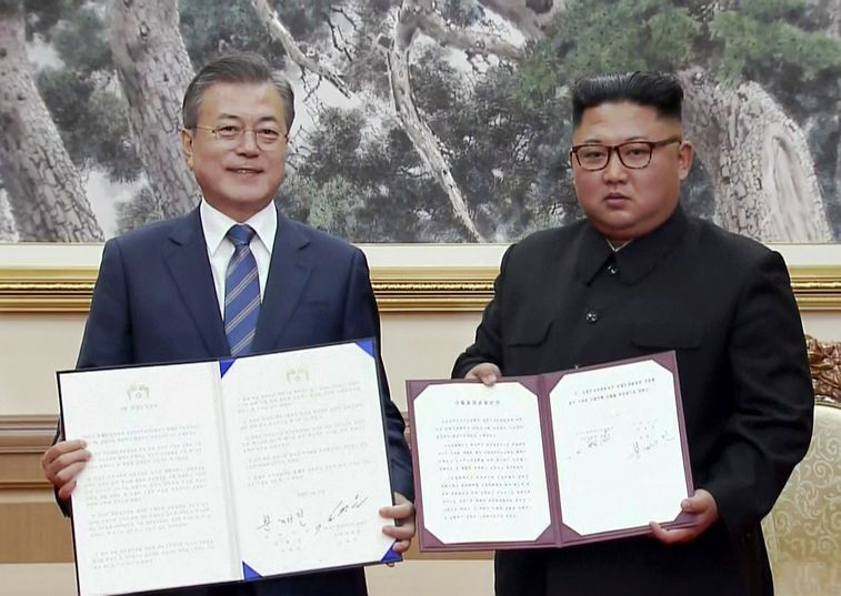 North and South Korean leaders agree on demilitarization in 'leap forward' for peace