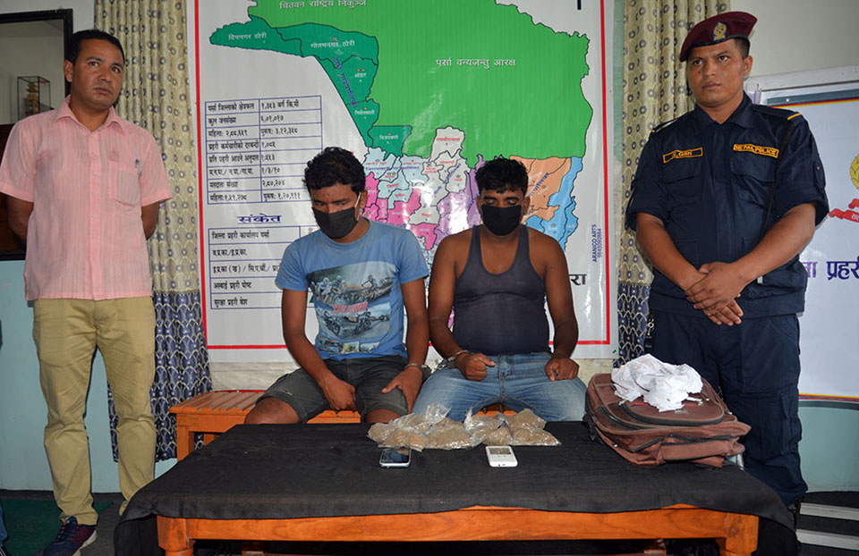 2 held with heroin worth millions of rupees