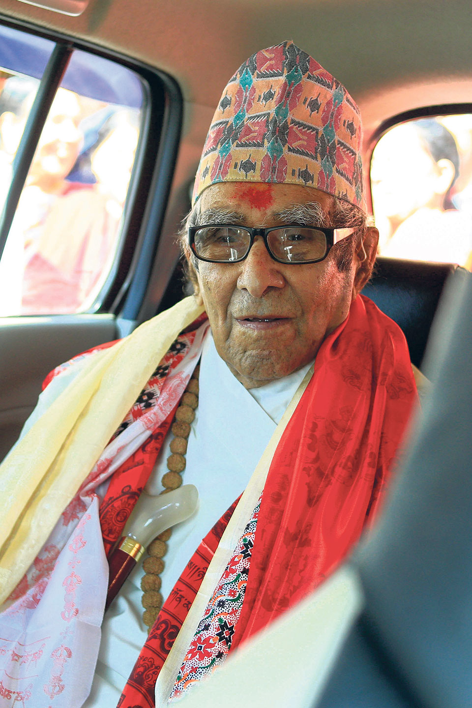 'Aina Jhyal': a tribute to Rastrakavi