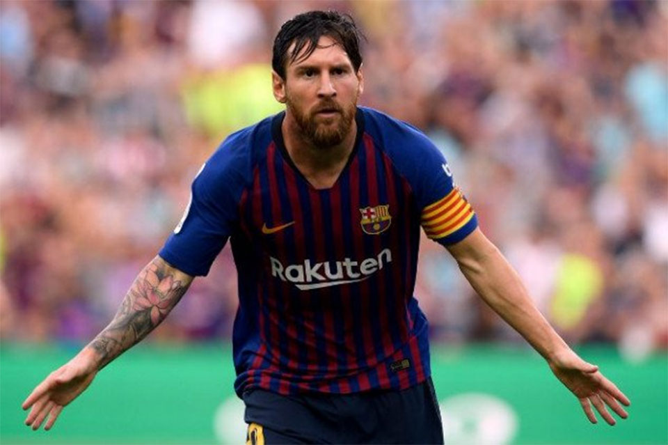 Lionel Messi sets two new La Liga records as Barcelona thumps Huesca 8-2
