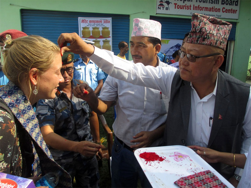 First three tourists entering Nepal from eastern checkpoints welcomed