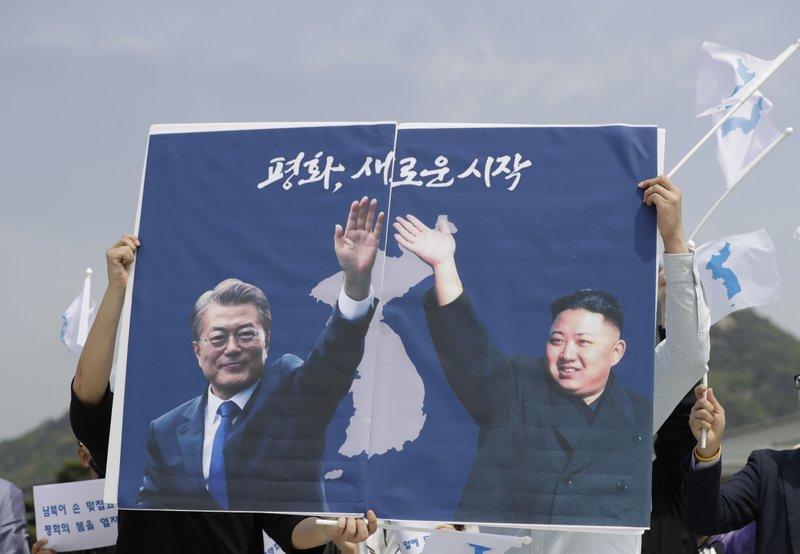 Kim Jong Un will walk across border for summit with Moon