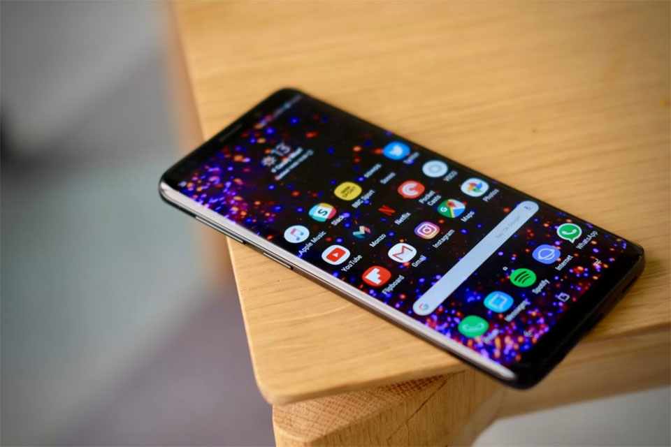 Galaxy S9 has Apple fans rushing to offload their four-month-old iPhone X